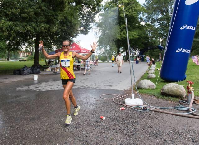 Stockholms ultra 2014 genom vatten:glad!